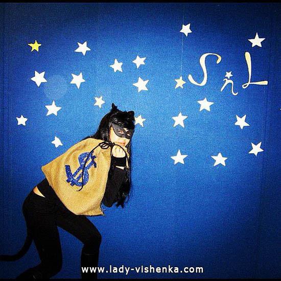 8. Halloweenin kissa-asu aikuinen