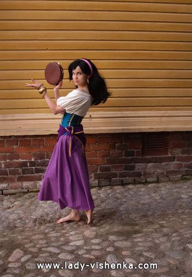 9. Esmeralda Halloween-asut aikuinen