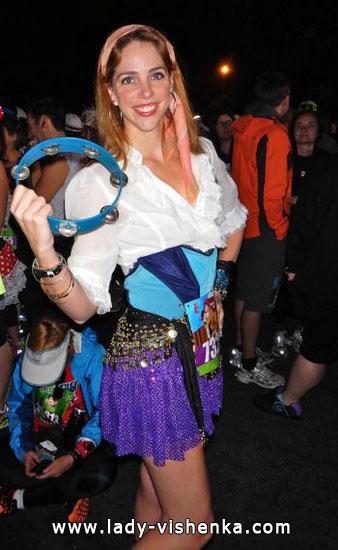 11. Esmeralda Halloween-asut aikuinen