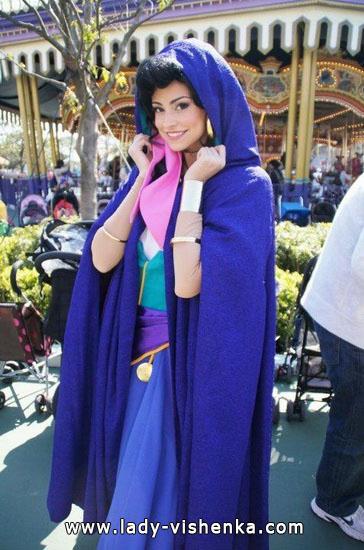 13. Esmeralda Halloween-asut aikuinen
