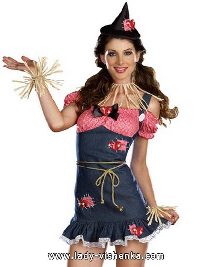 10. Naisten variksenpelätti-asu Halloweeniksi