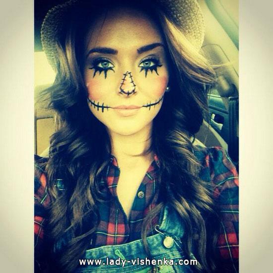 7. Naisten variksenpelätti-asu Halloweeniksi