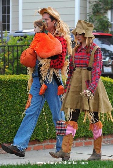 8. Naisten variksenpelätti-asu Halloweeniksi