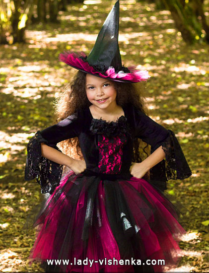 41. Halloween asut tytöille