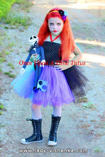 5. Halloween asut tytöille