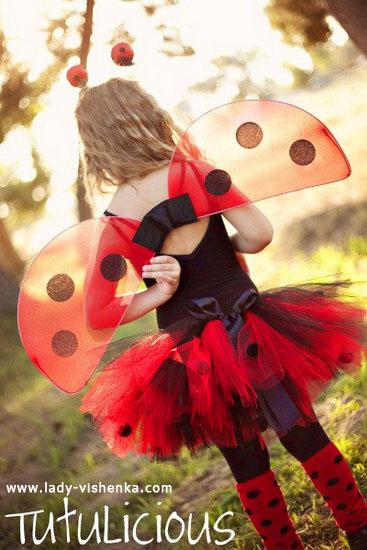 28. Tyttöjen halloween asut (4-6-vuotiaalle)