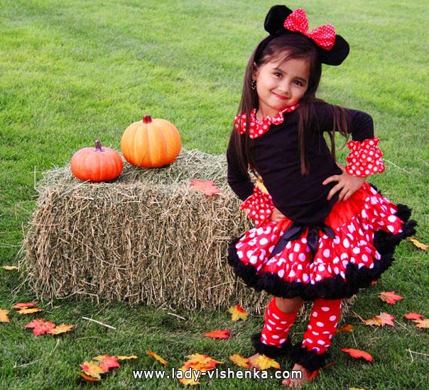 41. Tyttöjen halloween asut (4-6-vuotiaalle)