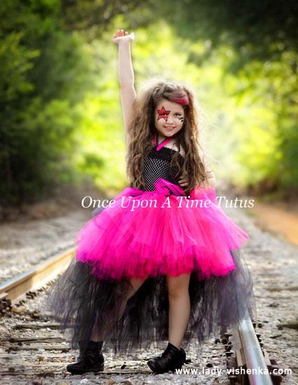 56. Tyttöjen halloween asut (4-6-vuotiaalle)