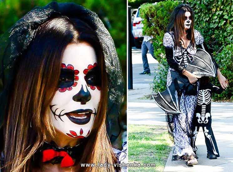 19. Naisen luuranko-asu Halloweeniksi