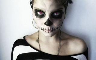 Naisen luuranko-asu Halloweeniksi