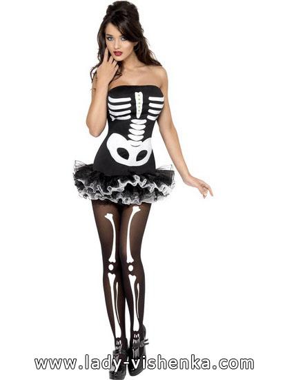 33. Naisen luuranko-asu Halloweeniksi