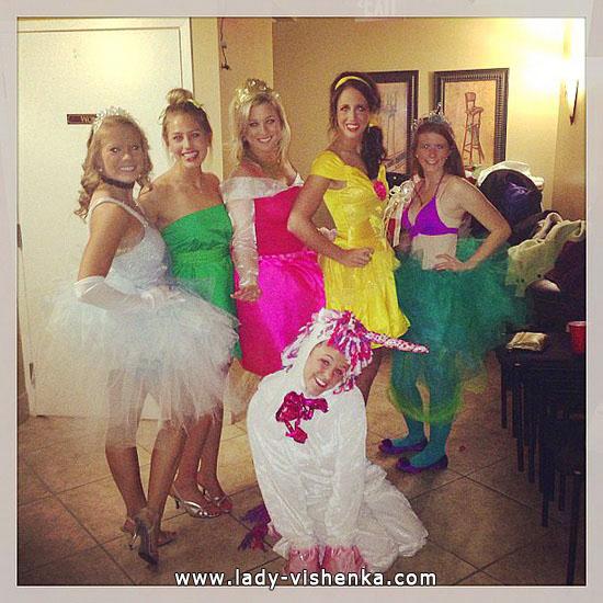 4. Disney-prinsessa Halloween-asut aikuinen