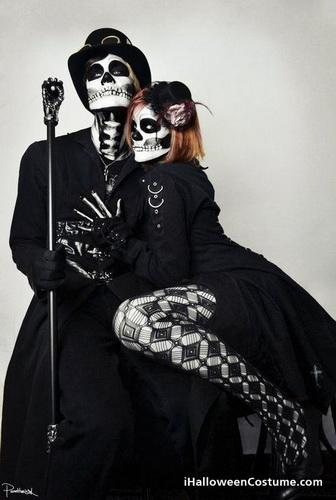 7. Pariskuntien Halloween-asut