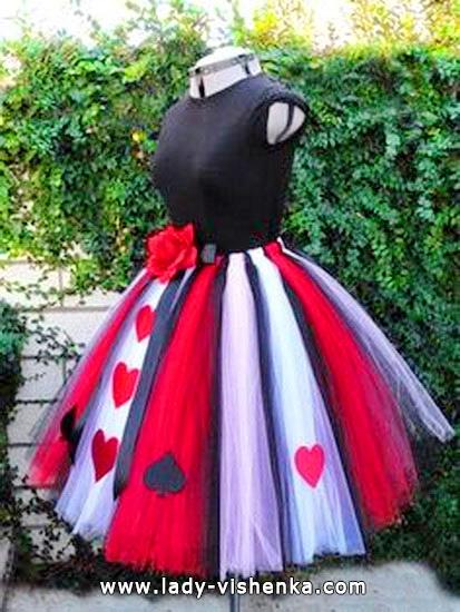 16. Herttakuningatar Halloween puku