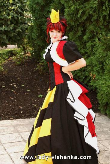 3. Herttakuningatar Halloween puku