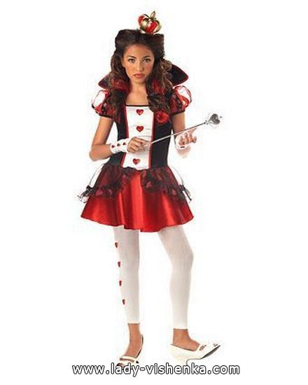 6. Herttakuningatar Halloween puku
