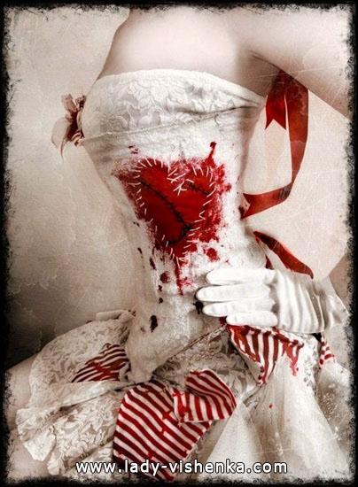 7. Herttakuningatar Halloween puku
