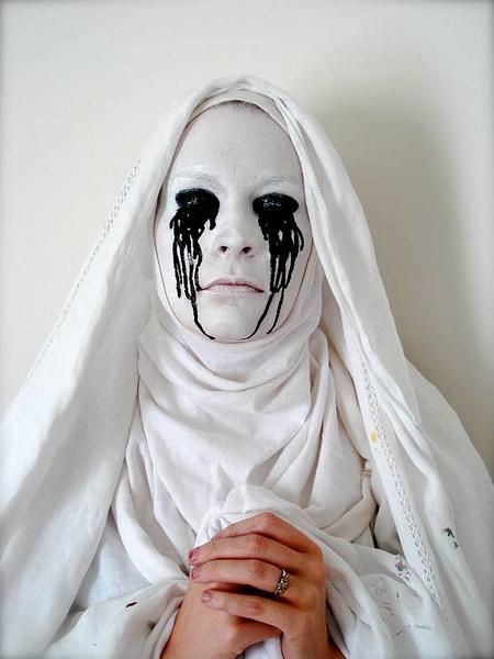 56. Pelottava Halloween-meikki
