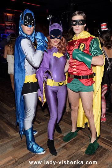 1. Halloweenin Super-tytö