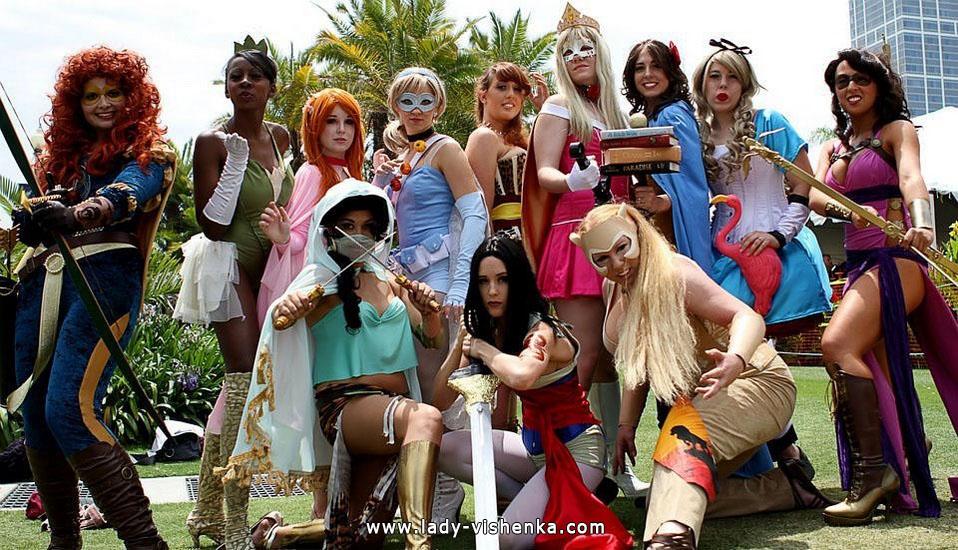 12. Halloweenin Super-tytö