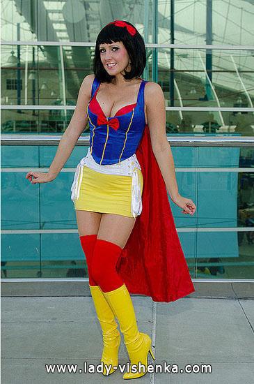 20. Halloweenin Super-tytö