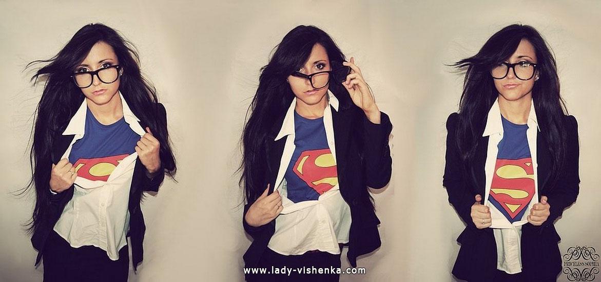 22. Halloweenin Super-tytö
