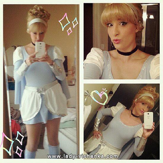 4. Halloweenin Super-tytö